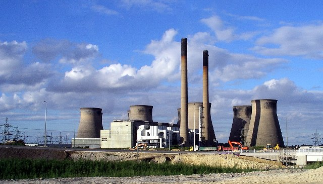Ferrybridge Power Station by Lynne Kirton, Wikipedia Commons