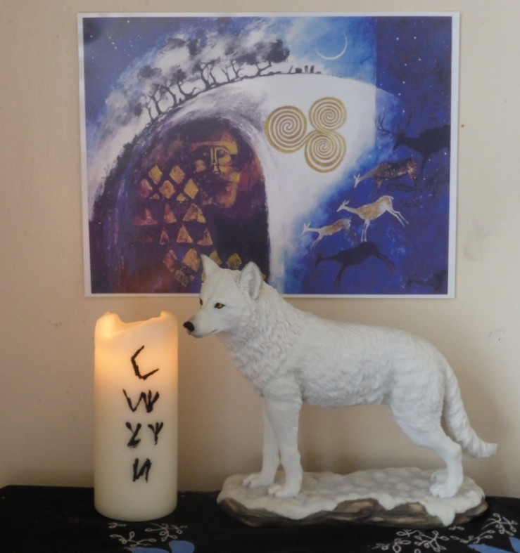 Gwyn Altar - Sleeping - Caer Ochren - Meg Falconer